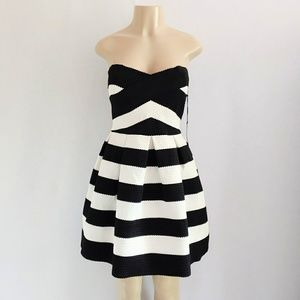 NWT BCBG Bodycon Fit Flare Stripe Strapless Dress